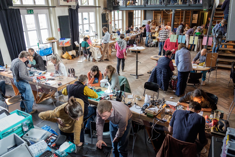 Repair Cafés retten monatlich über 800 Gegenstände vor dem Abfall
